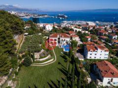 居外网在售克罗地亚3卧5卫的房产总占地4200平方米