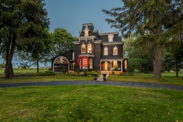 加拿大房产房价_安大略省房产房价_Fenwick房产房价_居外网在售加拿大Fenwick4卧3卫曾经整修过的房产总占地7939平方米CAD 1,549,000