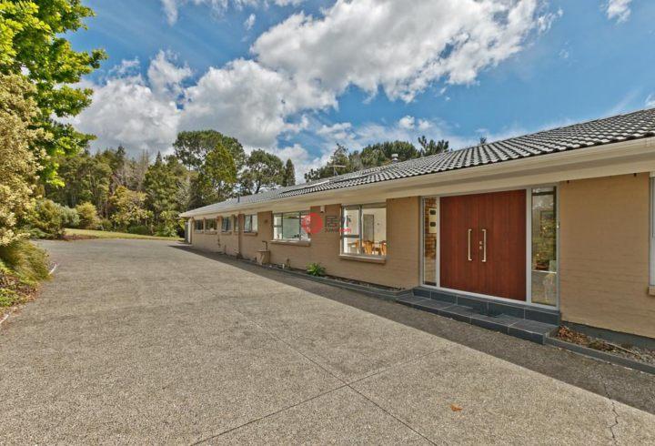 新西兰LucasHeights5卧2卫的农业房产钢叉图片