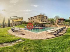 居外网在售意大利Siena17卧17卫的房产总占地3000平方米EUR 13,500,000