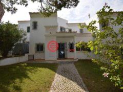 居外网在售葡萄牙Almancil的房产总占地175平方米EUR 630,000