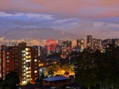 居外网在售哥伦比亚麦德林2卧3卫的房产总占地118平方米USD 240,000