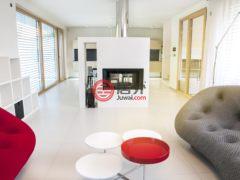 居外网在售斯洛伐克Bratislava3卧2卫的房产总占地500平方米EUR 570,000