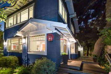 美国房产房价_加州房产房价_圣莫尼卡房产房价_居外网在售美国圣莫尼卡4卧3卫最近整修过的房产总占地218平方米USD 3,698,000