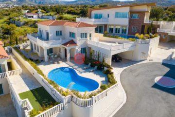 居外网在售塞浦路斯4卧3卫特别设计建筑的房产总占地1000平方米EUR 1,000,000