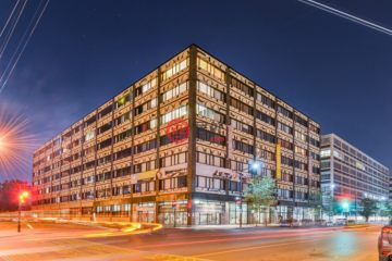 居外网在售加拿大3卧5卫的公寓总占地372平方米CAD 3,250,000