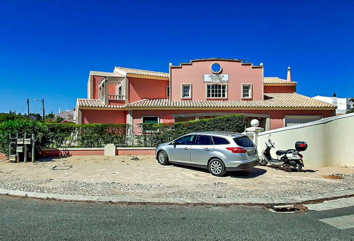 葡萄牙法鲁阿尔布费拉的商业地产,编号51940640